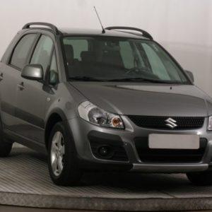 Обзор Suzuki SX4 2011