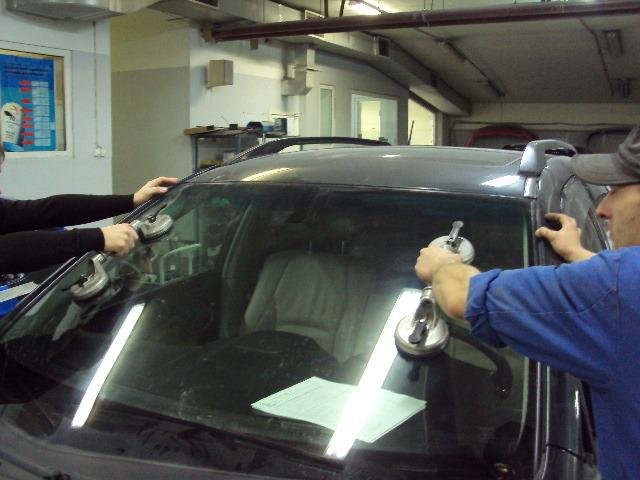 Как правильно выбрать автомобильное стекло?